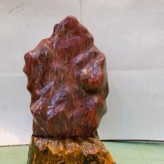 Cây đá đỏ trấn trạch cho người mệnh Thổ và Hỏa