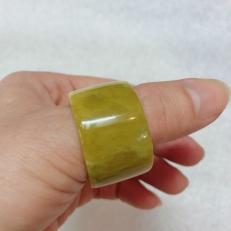 Nhẫn ngọc nam, nhẫn ngọc vuông cho nam màu vàng nghệ cho mệnh Thủy và Kim