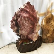 Cây đá trấn trạch màu đỏ cho mệnh Thổ và hỏa